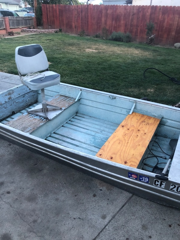 Used Vasco Flat Bottom Aluminum Fishing Boat With Trolling