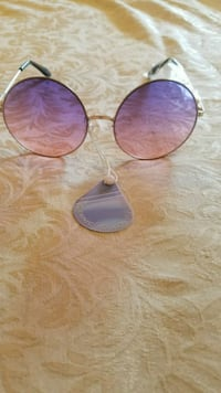 Sunglases for woman.Pick up in south Whittier  Whittier, 90605