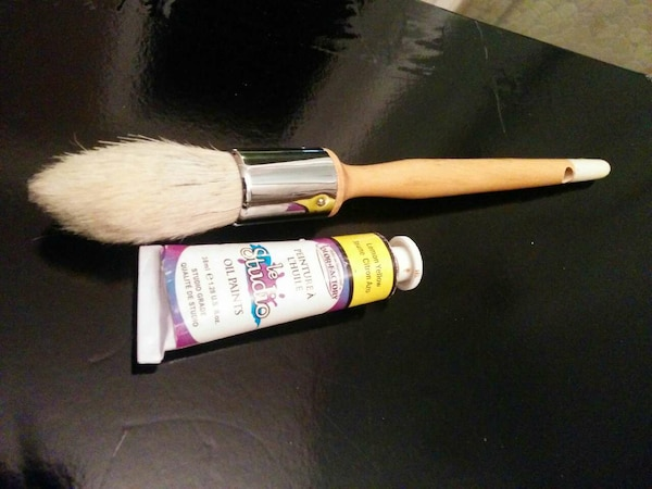 Jumbo oil paint brush n oil paint