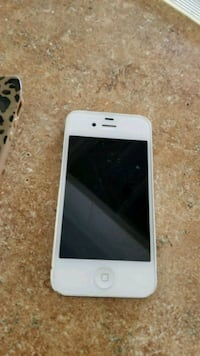 white iPhone 4 with case Tulare, 93274