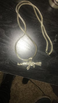 silver chain necklace with cross pendant Metairie, 70001