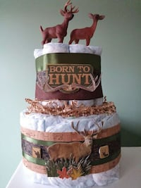 Born to Hunt Baby Diaper Cake