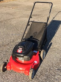 "21"" YARD MACHINES/MTD REAR BAG LAWNMOWER LIKE NEW"