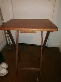 Food tray stand