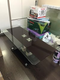 Clear glass and brown coffee table. Northolt, UB5