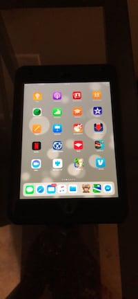 iPad 4 mini with 4g and otterbox  Silver Spring, 20903