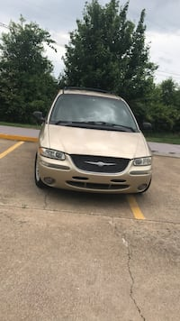 Chrysler - Town and Country - 2000 Bentonville, 72712