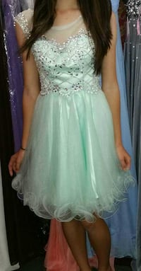 PROM/ BANQUET DRESSES (ALL SIZE 4) Pearl City, 96782