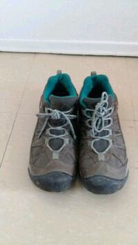 pair of gray-and-teal sneakers Gatineau, J8Z 1K5