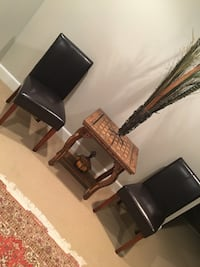 Accent chairs and table New Albany