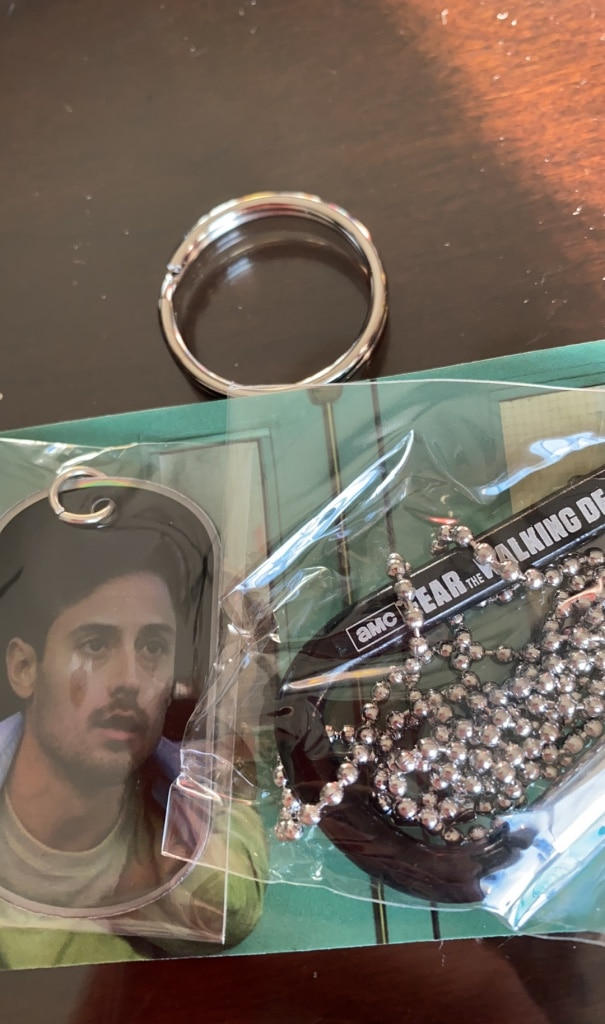 Photo Fear the walking dead shiny dog tag 38 out of 48
