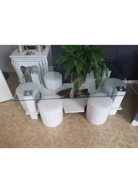 table basse+ 6 poufs