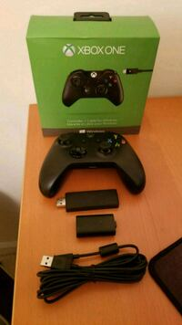 Xbox 1 controller w/ charge pack and PC dongle Manassas, 20110