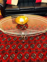 round clear glass top coffee table Springfield, 22153