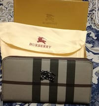white and black Burberry leather wallet Mississauga, L4Z 3M4