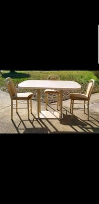 Dining Table with 4 Chairs Virginia Beach, 23464
