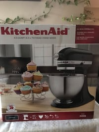 Kitchen aid stand mixer box Burnaby, V5C 2L1
