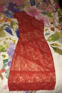 Bebe single shoulder lace dress  Coquitlam, V3B 0H4