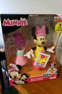 Disney Minnie Mouse and Minnie Mouse figurine in box McAllen, 78501