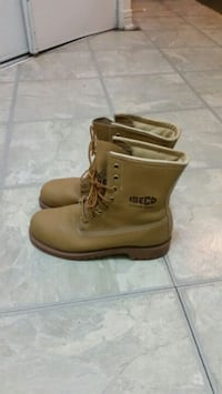 pair of brown Timberland work boots Mississauga, L4Z 3E9