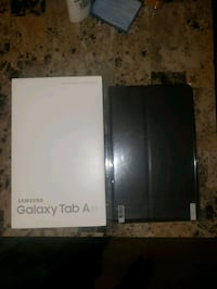 10 inch 32 GB Samsung tablet New!!! With case