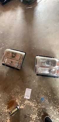 Oem F250 05-07 headlights. Some oxidation Baltimore, 21222
