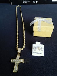 gold-colored cross pendant necklace San Diego, 92173