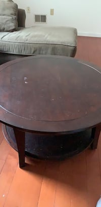 round black wooden coffee table New York, 10312