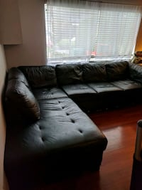 black leather sectional sofa  Port Coquitlam, V3C 3G7