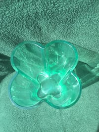 """Heavy 9"""" Green Glass - Clover Shaped"""