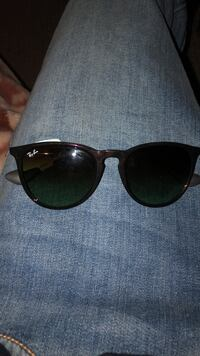 Brand new ray bans $100  Calgary, T2A 2Y7