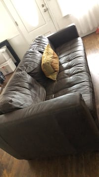 brown leather 3-seat sofa Bakersfield, 93305