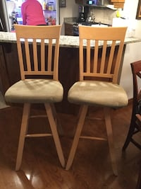 Solid Maple Bar Stools. Bar height Lakeshore, N0R