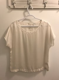 Aritzia off white silk top Kelowna, V1V