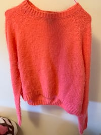 Sweater small size brand new Vancouver, V5N 5N1