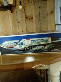 HESS TRUCK AND 2 RACERS
