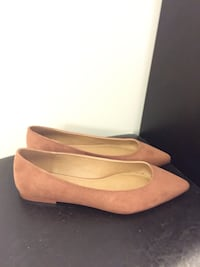 Suede tan flat shoes, size 8