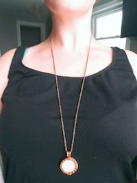 MI moneda rose gold  neckless and pendant  Milton, L9T 2T7