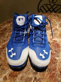 Brand new under armour sz13 baseball cleats  Spring