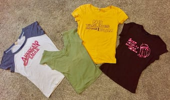 4 small women's tees hco, ae, xxi