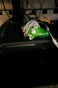 Xbox 360 console with controller plus games Meriden, 06451