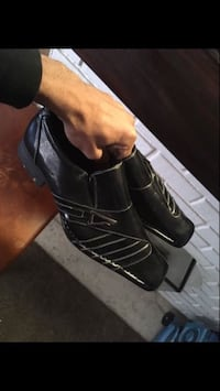 pair of black leather shoes Bellflower, 90706