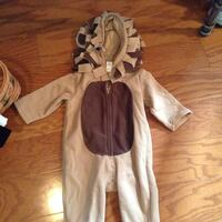 Children's brown lion costume size 6-12 months...really cute and warm...e u c Guelph