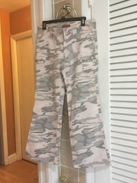 beige and gray camouflage-print pants