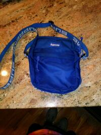 Supreme shoulder bag Middle River, 21220