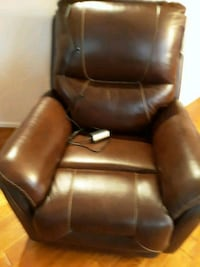 black leather padded rolling chair Williamsburg, 23188