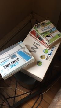 Wii console box and game cases Guilderland, 12009