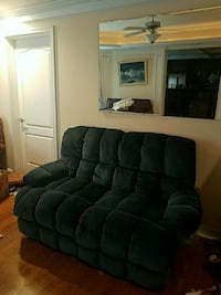 Come and get it.SERIOUS.PERFECT LZYBY LVESEAT.  Buford, 30518