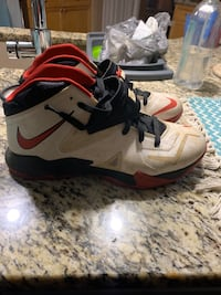 Good condition. Worn only a couple of times. Charlotte, 28277