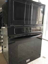 Wall Mounted Frigidaire ELECTRIC Oven & Microwave